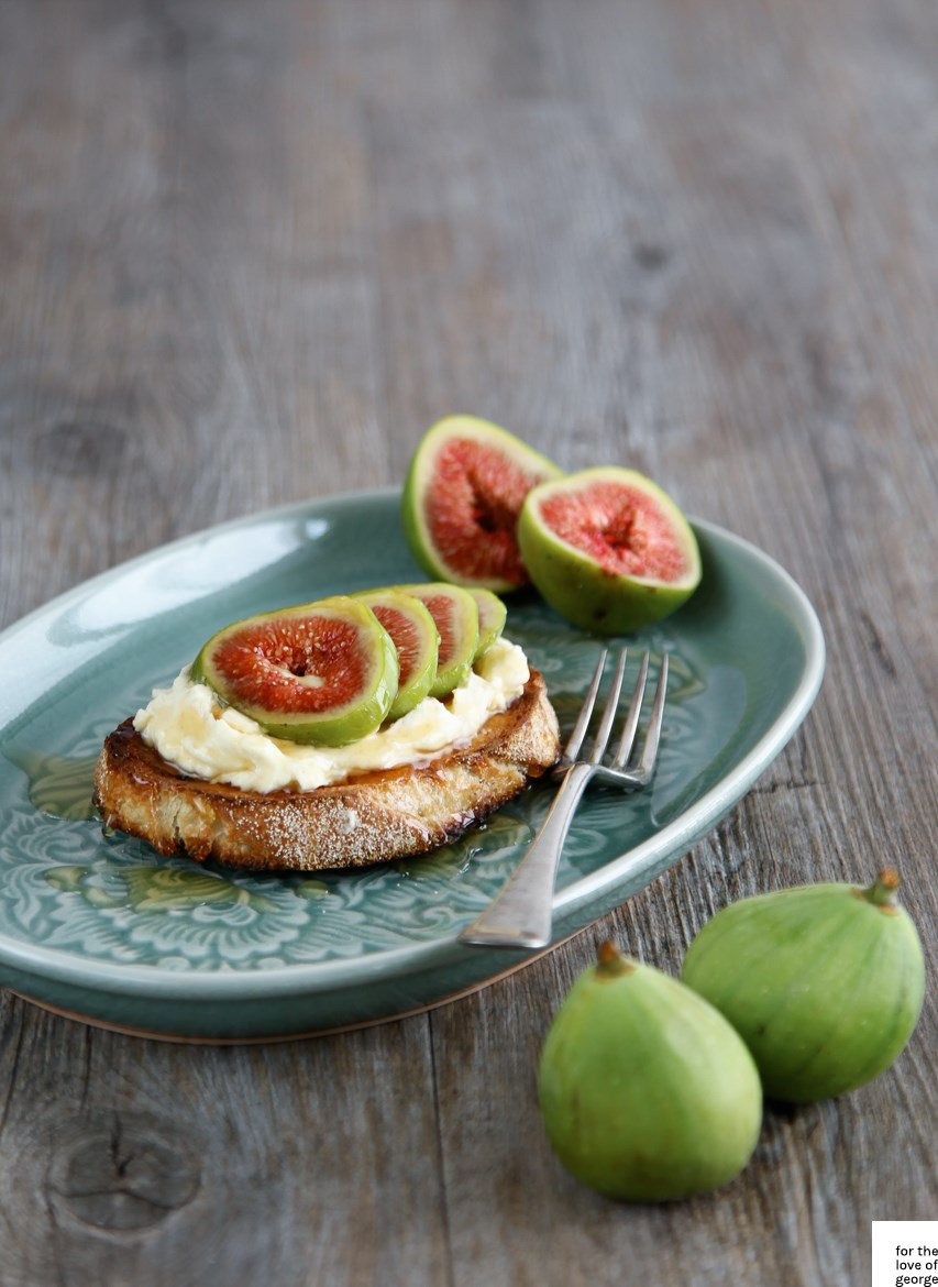 Sweet fig breakfast bruschetta recipe on For the Love of George